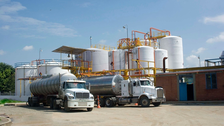 Tank and terminal systems are in place to give information about the products stored in a tank farm
